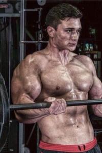 Lee Vandergraaf working out